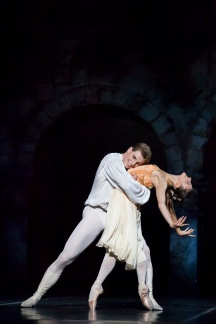 Romeo and Juliet, Photo © Mirka Kleemola, Finnish National Opera, Choreography - John Cranko, Music - Serge Prokofiev (11)