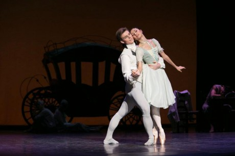 Manon - Sir Kenneth MacMillan, Photo © Sakari Viika, Manon - Petia Ilieva, Des Grieux - Michal Krcmar (2)