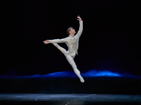Michal Krcmar - Prince EunJi Ha Swan lake 2017 - Kenneth Greve, Photo Mirka Kleemola
