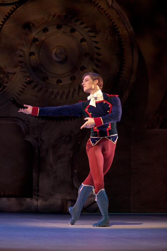 The Nutcracker and the Mouse King chor: Wayne Eagling and Toer van Schayk, © Sakari Viika 5