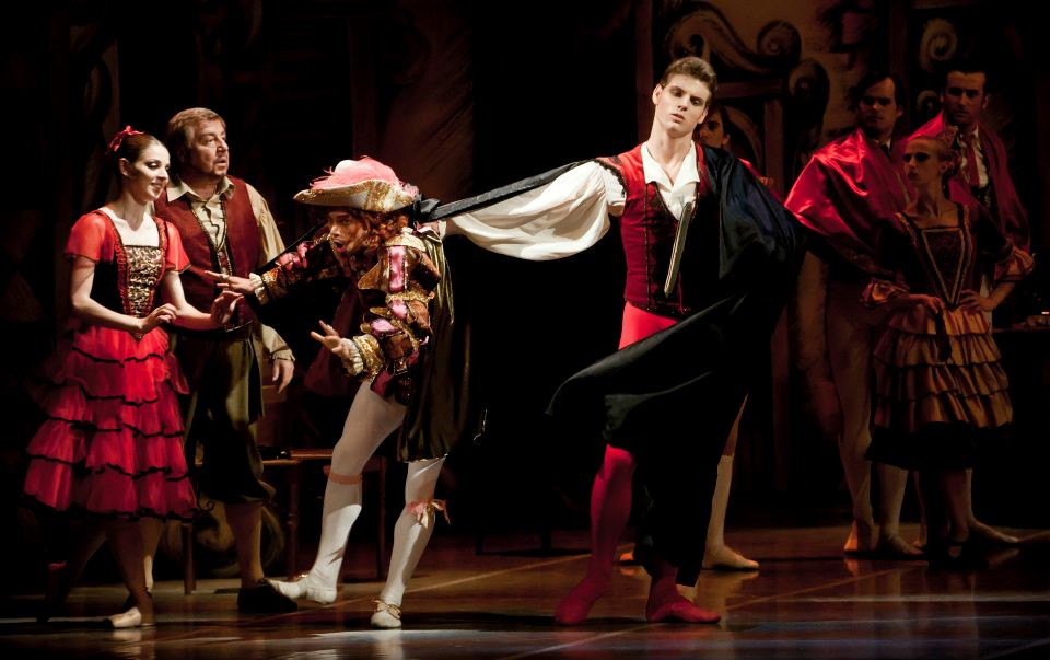 Don Quijote choreography Jaroslav Slavicky Photo © Martin Divisek Prague State Opera Alina nanu and Michal Krcmar  (5)