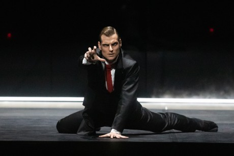 Jekyll and Hyde by Val Caniparoli FNB Michal Krcmar photo Mirka Kleemola (11)
