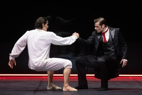 Jekyll and Hyde by Val Caniparoli FNB Michal Krcmar photo Mirka Kleemola (14)