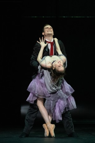Jekyll and Hyde by Val Caniparoli FNB Michal Krcmar photo Mirka Kleemola (22)
