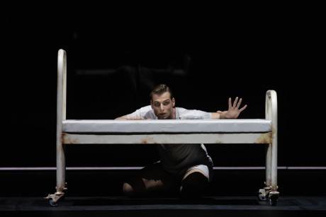 Jekyll and Hyde by Val Caniparoli FNB Michal Krcmar photo Mirka Kleemola (35)