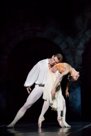 Romeo and Juliet, Photo © Mirka Kleemola, Finnish National Opera, Choreography - John Cranko, Music - Serge Prokofiev,  (9)