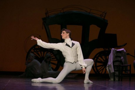 Manon - Sir Kenneth MacMillan, Photo © Sakari Viika, Manon - Petia Ilieva, Des Grieux - Michal Krcmar (1)