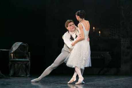 Manon - Sir Kenneth MacMillan, Photo © Sakari Viika, Manon - Petia Ilieva, Des Grieux - Michal Krcmar (9)